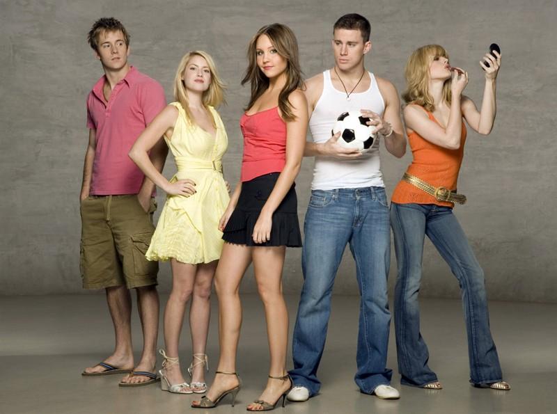 Robert Hoffman, Laura Ramsey, Amanda Bynes, Channing Tatum e Alexandra Breckenridge in una foto promo del film She's the Man