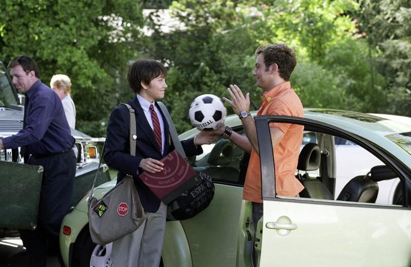 'Sebastian' (Amanda Bynes) e Paul (Jonathan Sadowski) nel laboratorio di chimica nel film She's the Man