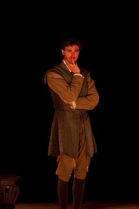 Adriano Braidotti nello spettacolo Eppur si muove, liberamente tratto da Vita di Galileo di B.Brecht