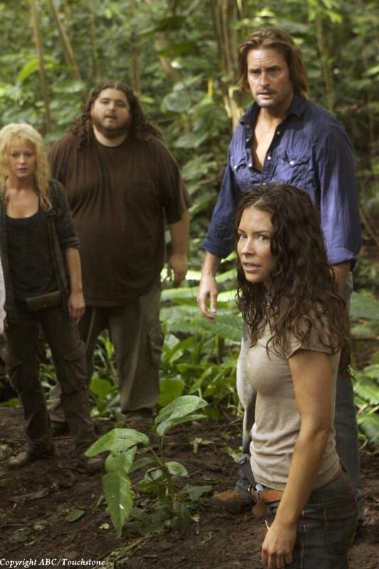 Evangeline Lilly, Emilie de Ravin, Jorge Garcia e Josh Holloway nell'episodio The Cadidate di Lost