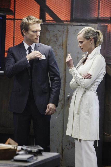 Flashforward: Neil Jackson e Rachel Roberts nell'episodio The Garden of Forking Paths
