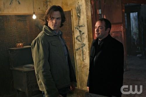 Jared Padalecki e Mark Sheppard nell'episodio The Devil You Know di Supernatural