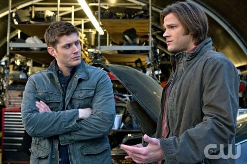Jensen Ackles e Jared Padalecki nell'episodio Two Minutes to Midnight di Supernatural