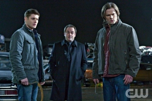 Jensen Ackles, Mark Sheppard e Jared Padalecki nell'episodio Two Minutes to Midnight di Supernatural