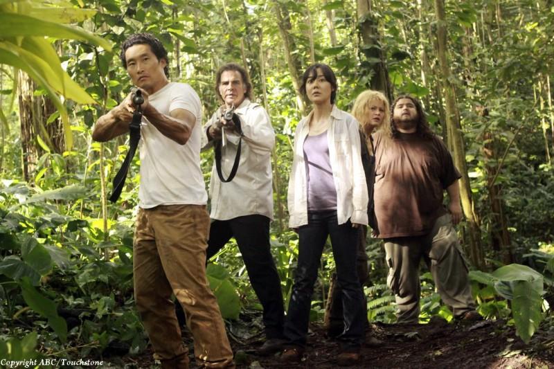 Junjin Kim, Daniel Dae Kim, Emilie de Ravin, Jorge Garcia e Jeff Fahey nell'episodio The Cadidate di Lost