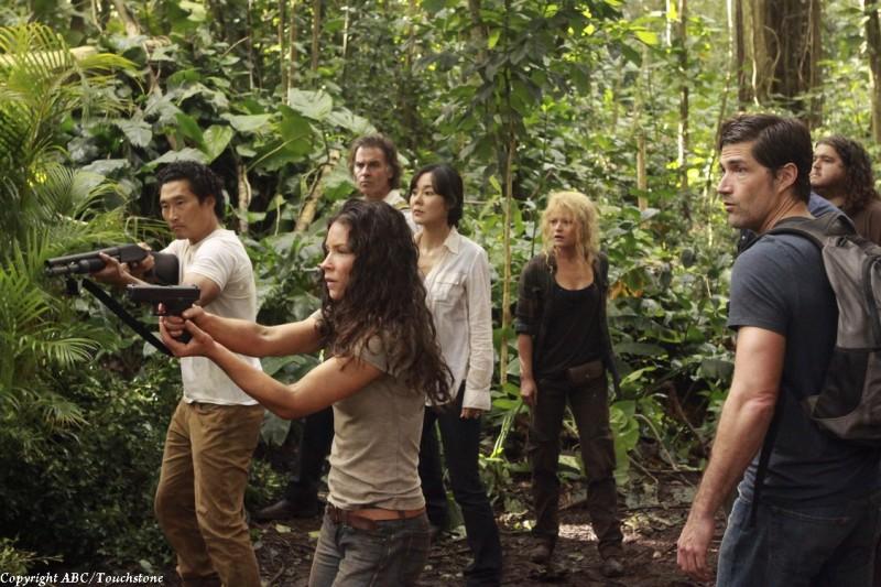 Junjin Kim, Daniel Dae Kim, Emilie de Ravin, Jorge Garcia, Matthew Fox e Jeff Fahey nell'episodio The Cadidate di Lost