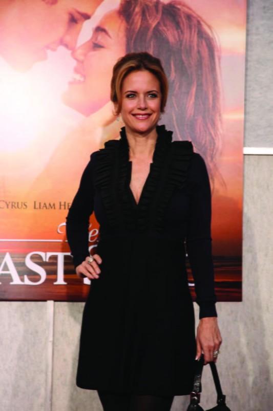 Kelly Preston alla première del film The Last Song all'ArcLight theater di Hollywood