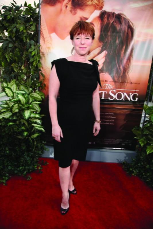 La regista Julie Anne Robinson alla première del film The Last Song all'ArcLight theater di Hollywood