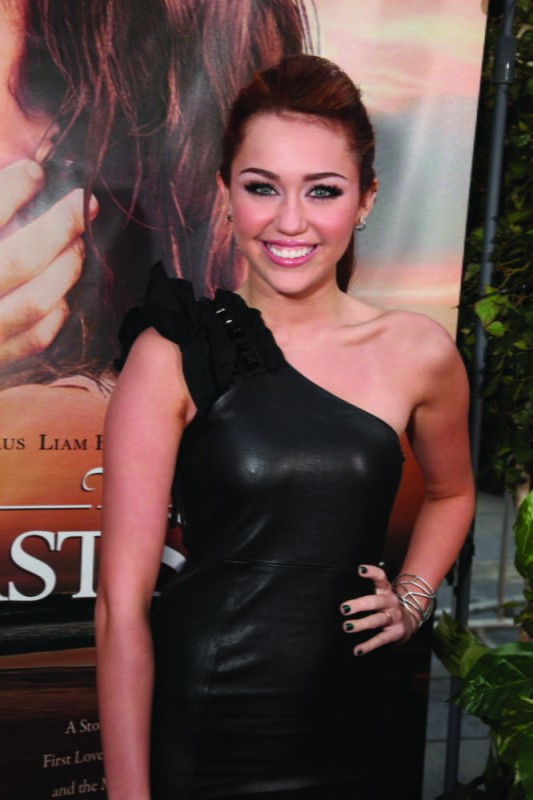 Miley Cyrus alla première del film The Last Song all'ArcLight theater di Hollywood