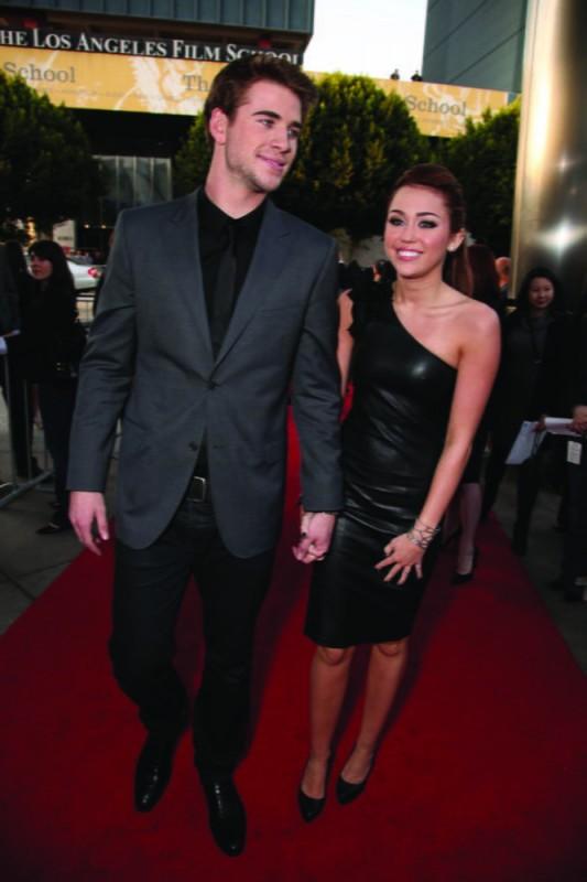 Miley Cyrus e Liam Hemsworth alla première del film The Last Song all'ArcLight theater di Hollywood