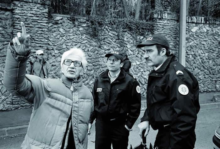 Alain Resnais con Mathieu Amalric e Michel Vuillermoz sul set del film Gli amori folli