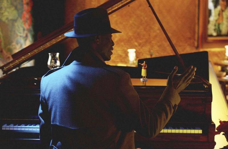 Fringe: Lance Reddick nell'episodio musicale Brown Betty