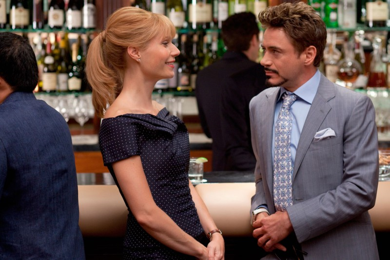 Gwyneth Paltrow e Robert Downey Jr. in una sequenza di Iron Man 2