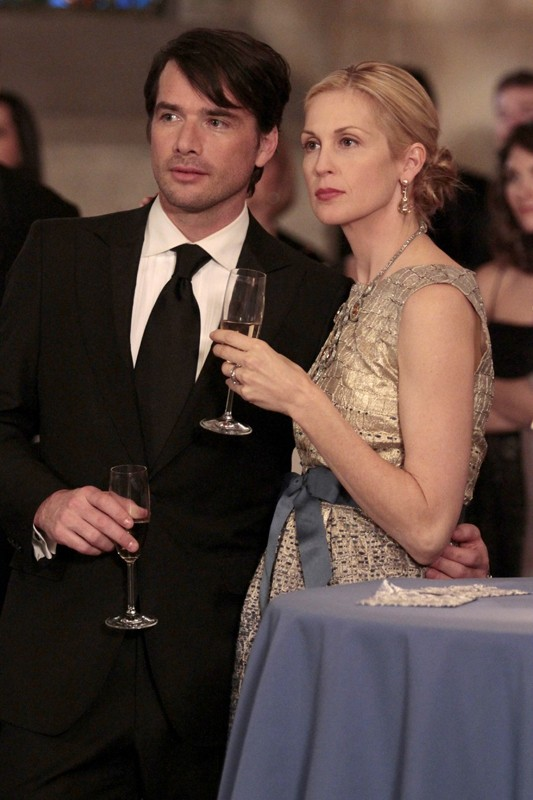 Lily (Kelly Rutherford) e Rufus (Matthew Settle) nell'episodio It's a Dad, Dad, Dad, Dad World  di Gossip Girl