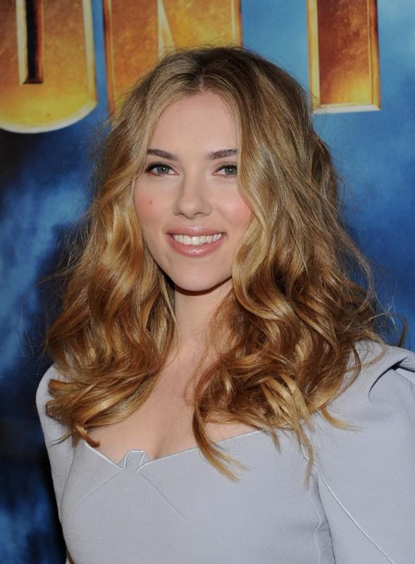 Scarlett Johansson al photocall di Iron Man 2 a Los Angeles