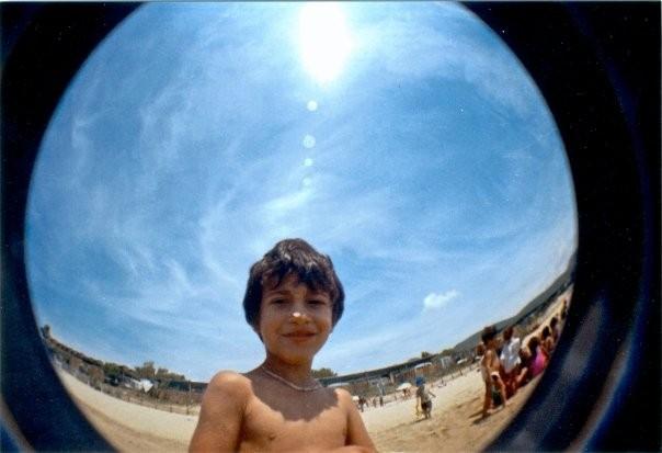 Un bambino della scuola Celio Azzurro immortalato nel film Sotto il Celio Azzurro