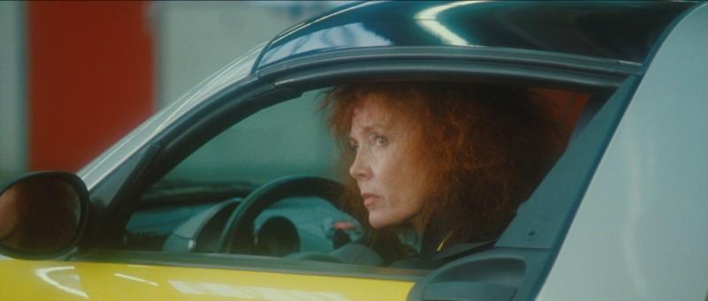 Un'immagine di Sabine Azéma dal film Gli amori folli