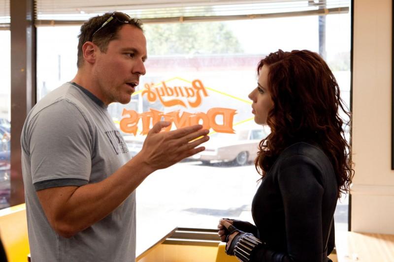 Un incontro tra Happy Hogan (Jon Favreau) e Black Widow (Scarlett Johansson) nel film Iron Man 2