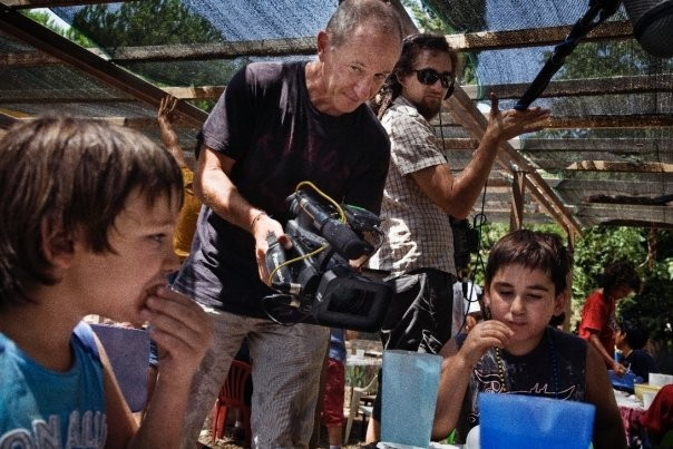 Uno scatto dal set del film Sotto il Celio Azzurro