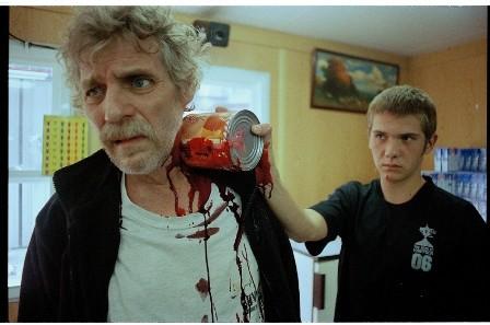 Una sequenza splatter di Tender Son - The Frankenstein Project