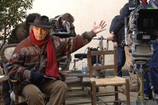 Alfonso Arau sul set del film L'Imbroglio nel lenzuolo