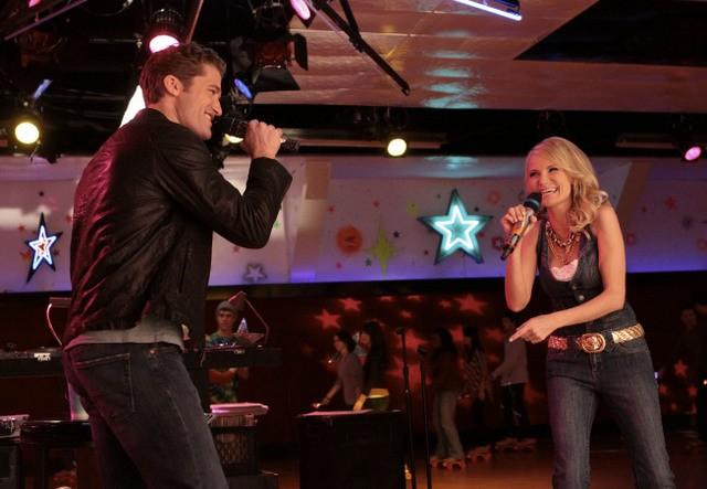 Kristin Chenoweth e Matthew Morrison nell'episodio Home di Glee