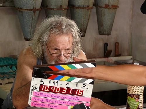 L'attore Rui Gerra sul set di uno degli episodi di 5xFavela