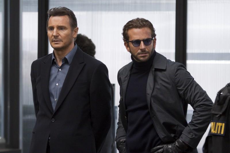 Liam Neeson e Bradley Cooper nel film A-Team