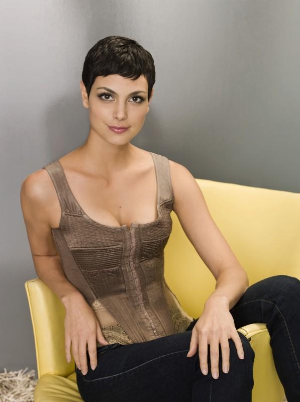 Morena Baccarin in uno scatto promozionale per il remake di Visitors