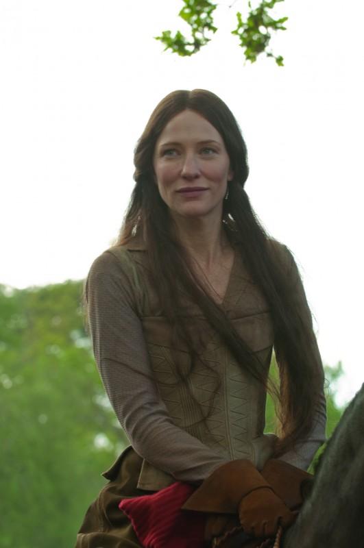 Cate Blanchett è lady Marion nel film Robin Hood (2010)