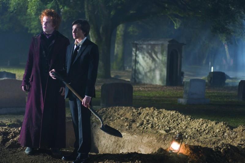 John C. Reilly e Chris Massoglia in un'immagine del film Aiuto Vampiro