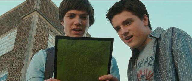 Josh Hutcherson e Chris Massoglia in un'immagine del film Aiuto Vampiro