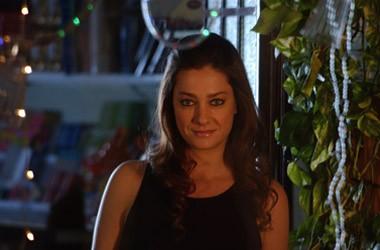 Giovanna Mezzogiorno in una scena del film Sono viva