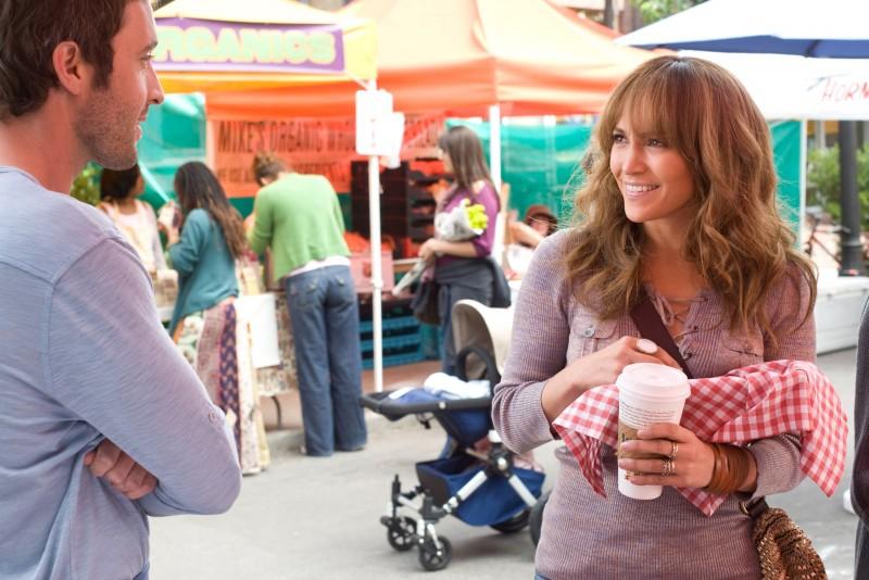 Jennifer Lopez e Alex O'Loughlin in una scena di Piacere, sono un po' incinta