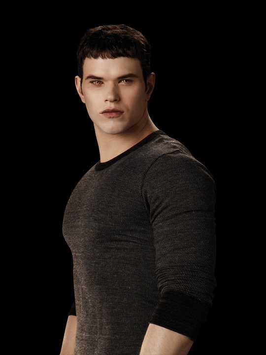 Kellan Lutz è Emmet Cullen in una foto promo di The Twilight Saga: Eclipse
