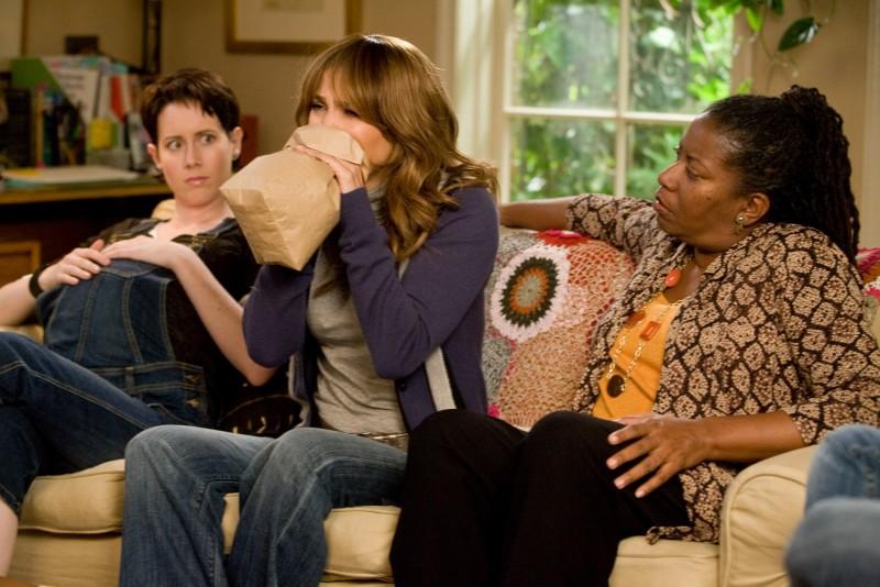 Zoe (Jennifer Lopez) in una situazione imbarazzante nella commedia Piacere, sono un po' incinta