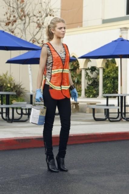 AnnaLynne McCord in una scena dell'episodio Multiple Choices di 90210
