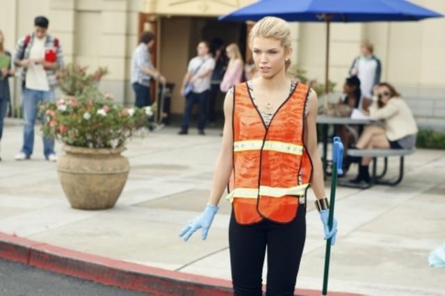 AnnaLynne McCord nell'episodio Multiple Choices di 90210