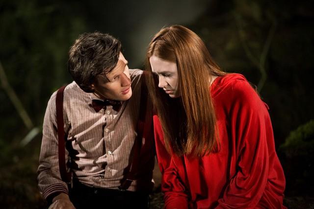 Doctor Who: Matt Smith e Karen Gillan in un momento dell'episodio Flesh and Stone