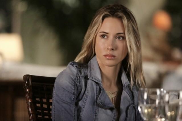 Gillian Zinser nell'episodio Multiple Choices di 90210