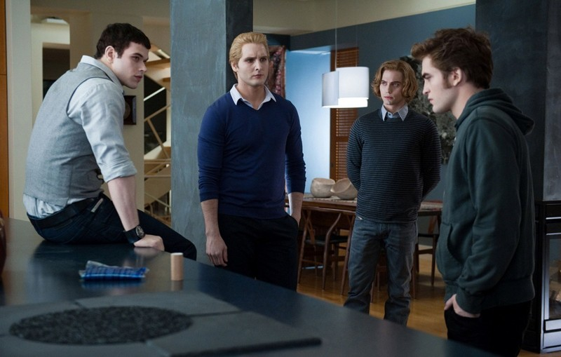 I maschi della famiglia Cullen in una scena del film The Twilight Saga: Eclipse