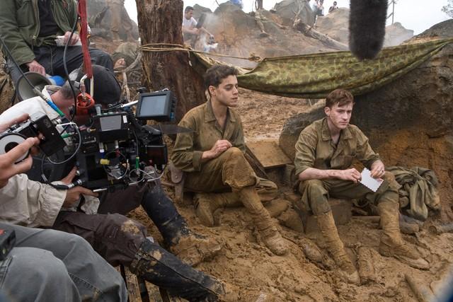 Rami Malek e Joeseph Mazzello sul set della miniserie The Pacific