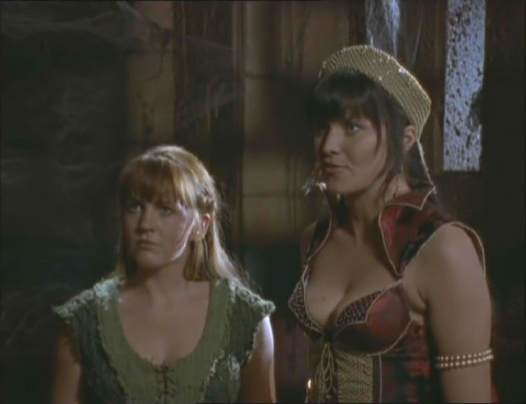 Renee O\'Connor e Lucy Lawless in Xena e l\'intrigo a corte ep. di Xena principessa guerriera
