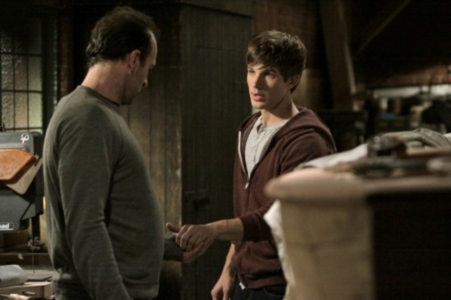 Scott Patterson e Matt Lanter nell'episodio Multiple Choices di 90210