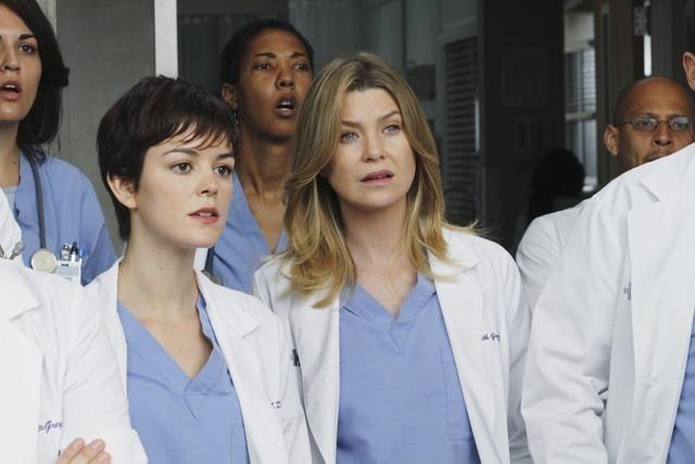 Grey's Anatomy: Ellen Pompeo e Nora Zehetner nell'episodio How Insensitive