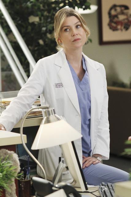 Grey's Anatomy: Ellen Pompeo in una scena dell'episodio Sympathy for the Parents