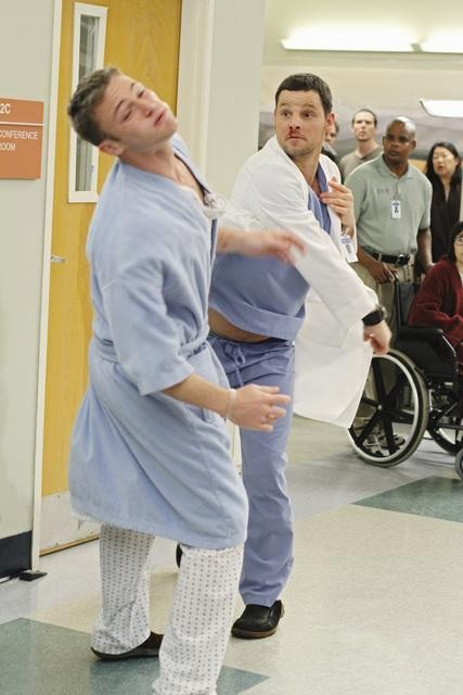 Grey's Anatomy: Justin Chambers e Jake McLaughlin nell'episodio Sympathy for the Parents