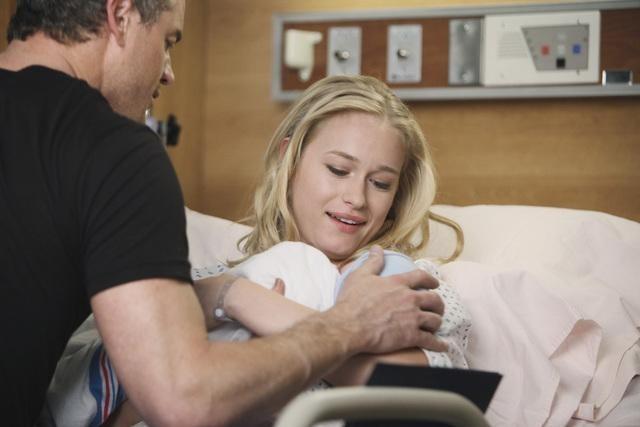 Grey's Anatomy: Leven Rambin ed Eric Dane in una scena dell'episodio Hook, Line and Sinner