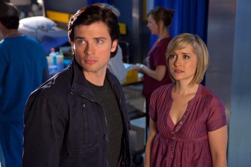 Clark (Tom Welling) e Chloe (Allison Mack) in un momento dell'episodio Sacrifice di Smallville