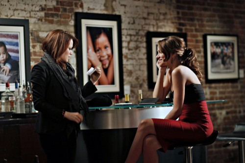 Haley (Bethany Joy Galeotti) e Quinn (Shantel VanSanten) nell'episodio Every Picture Tells a Story